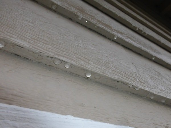 Water collecting on the underside of Louisiana Pacific siding like this will cause damage