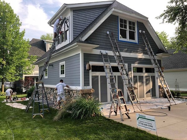 Painting a house exterior during the best time for it