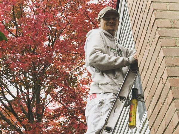 Painting a house exterior in cold weather